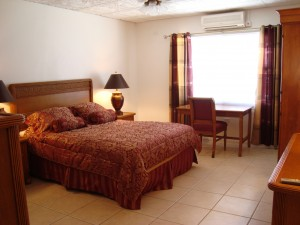 DSC00487 300x225 The Largest 1 Bedroom Luxury Apartment